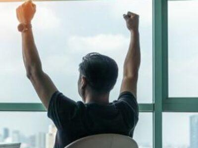 起業のリングから降りない限り、この4段階で経済的自由が手に入る(現代ビジネス)